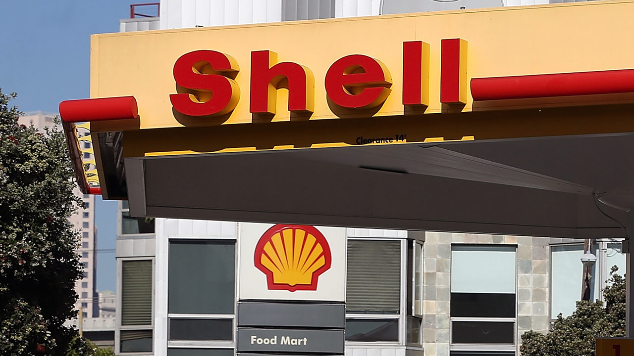 Shell Prepares for Electric Era with NewMotion Deal