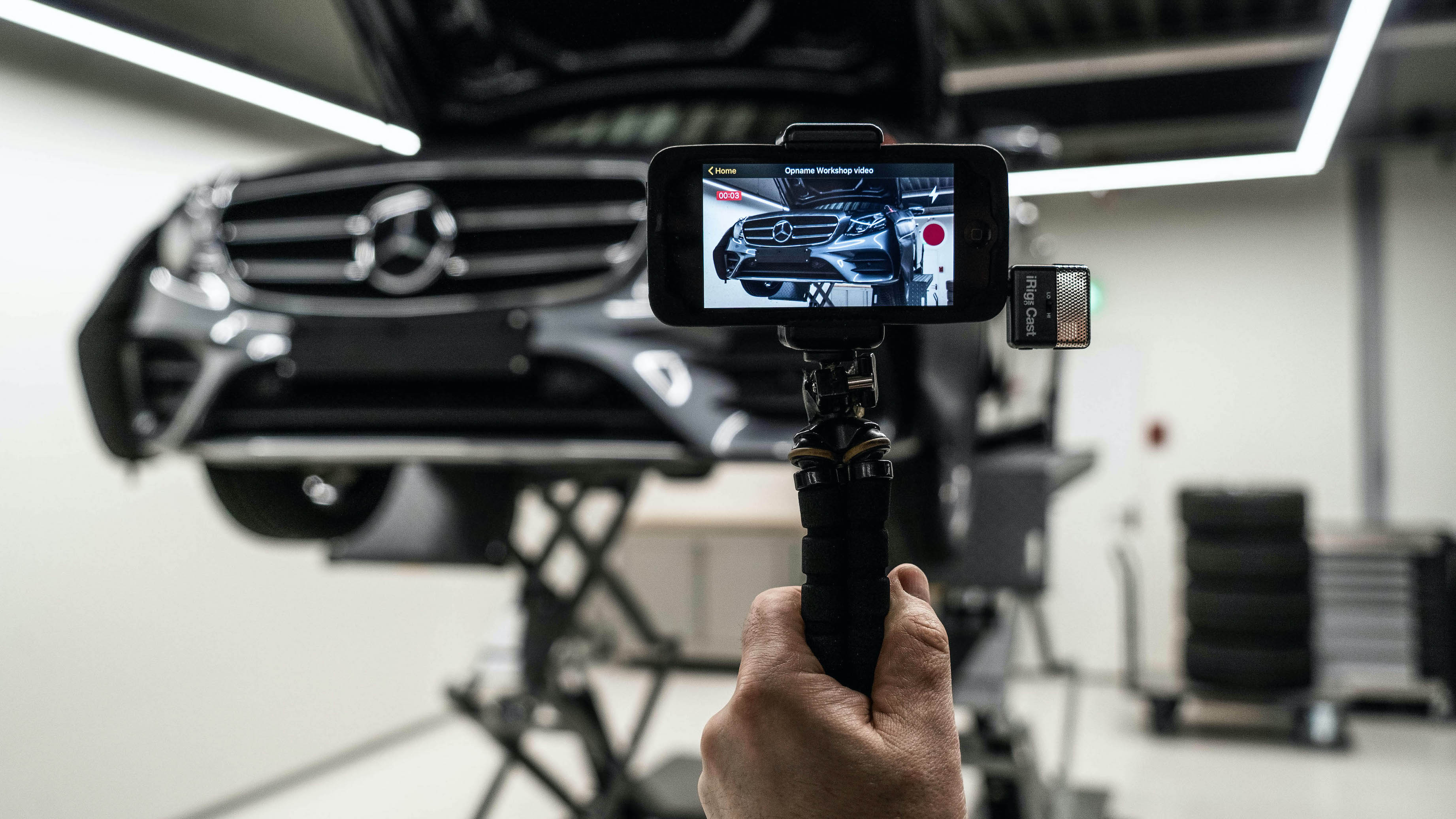 Mercedes-Benz Introduces New StarView Video App to Digitally Connect Customers with Their Vehicle's Workshop Journey