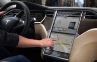 Tesla Begins Release of New Navigation System
