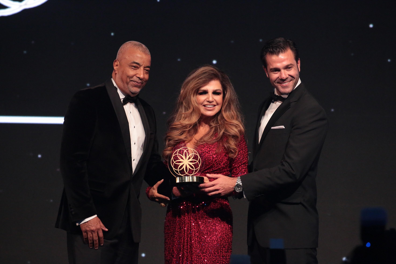 """Rolls-Royce Cullinan Wins """"Best Luxury SUV"""" Award"""