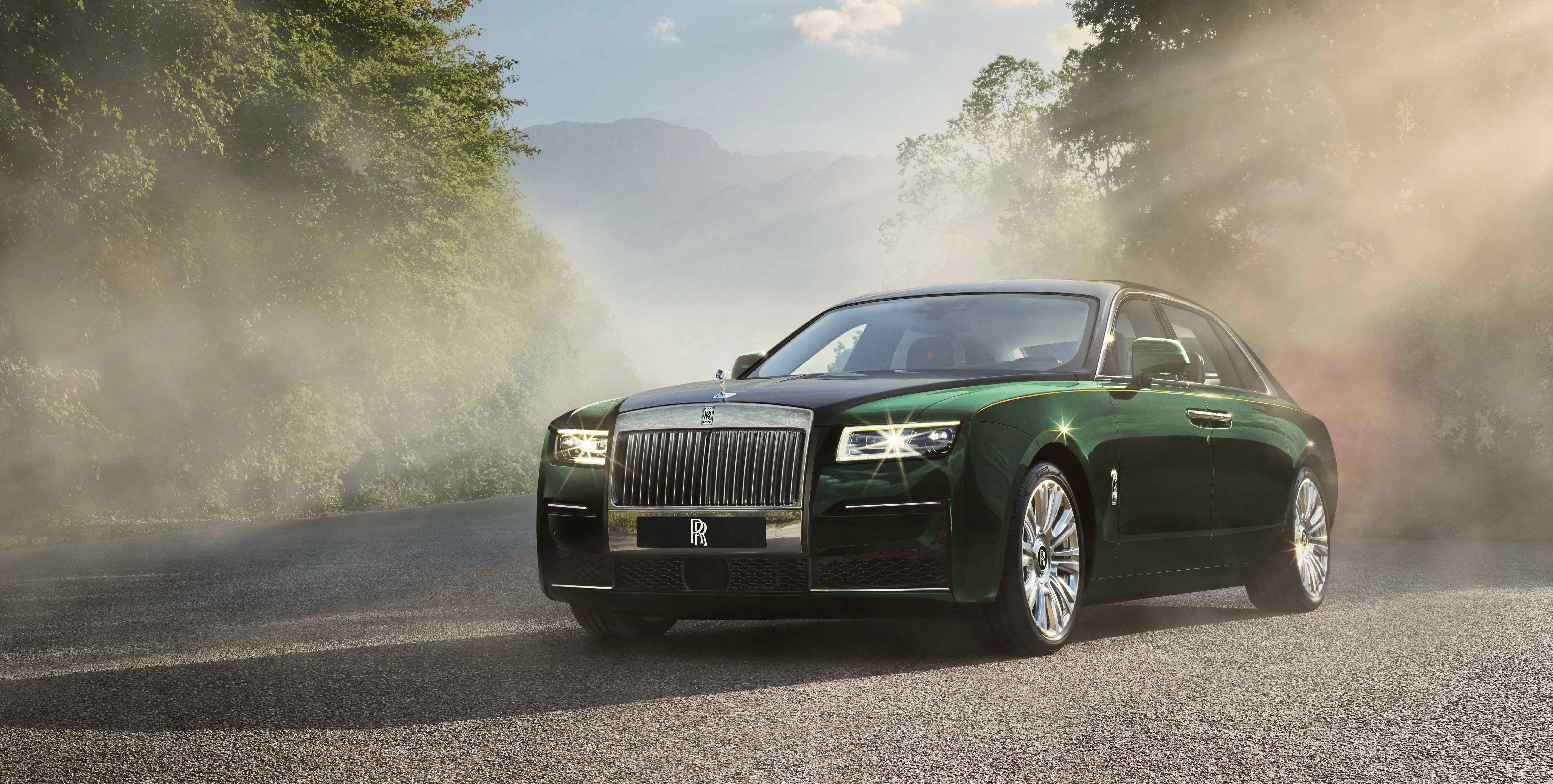 Rolls-Royce Reveals New Ghost Extended