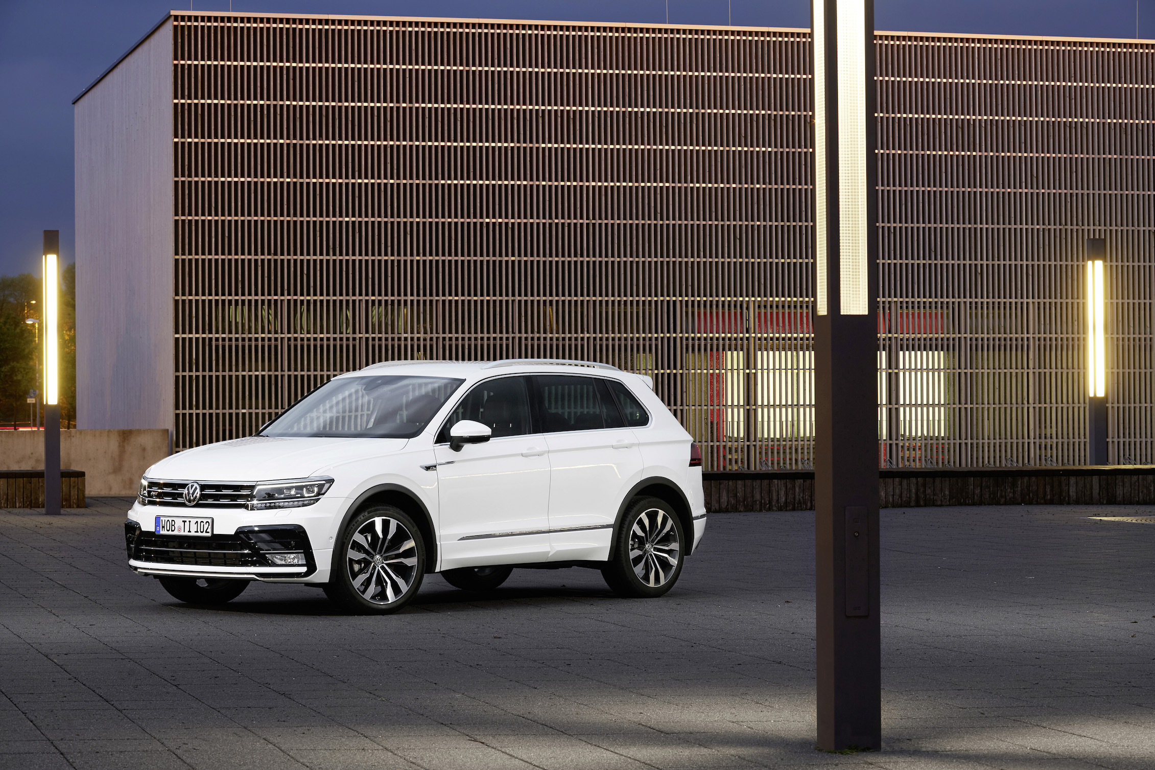 Volkswagen Middle East Debuts R-Line Packages for the all-new Tiguan