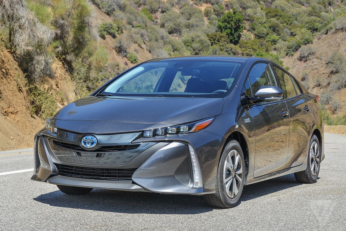 Toyota Promotes E-Mobility with Free Licensing on 24000 Patents