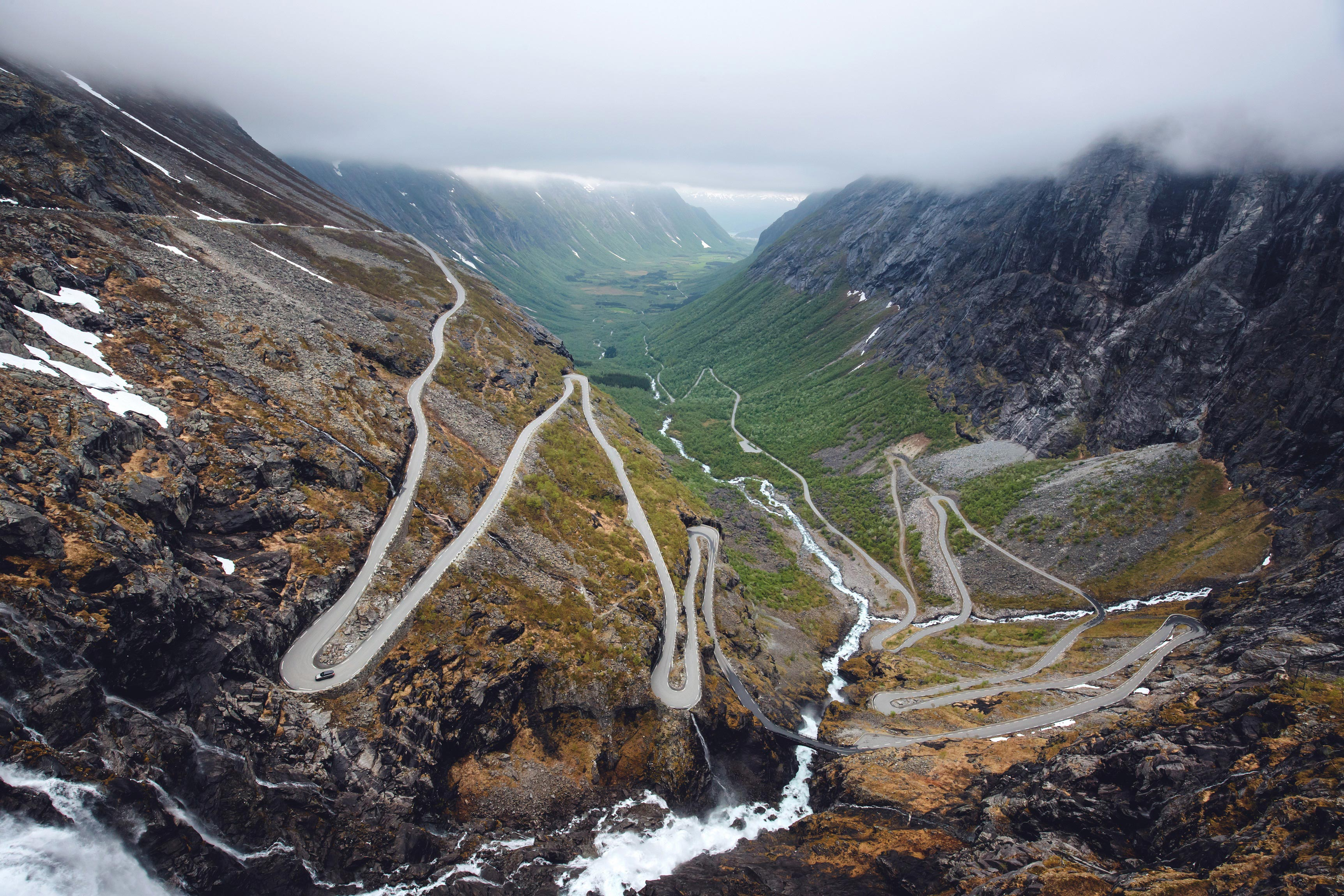 Land rover and royal geographical society launch 2021 'earth photo' challenge
