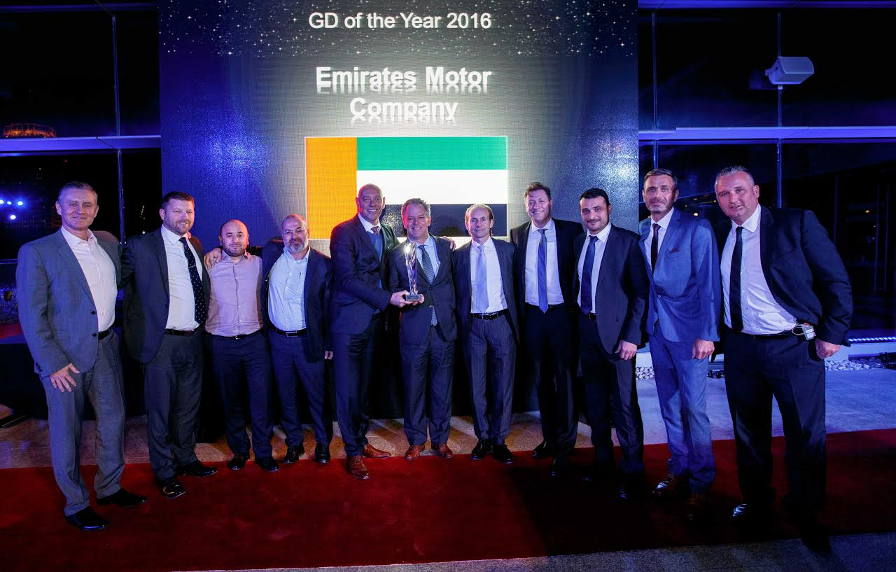 Emirates Motor Company receives General Distributor of the Year Award from Daimler