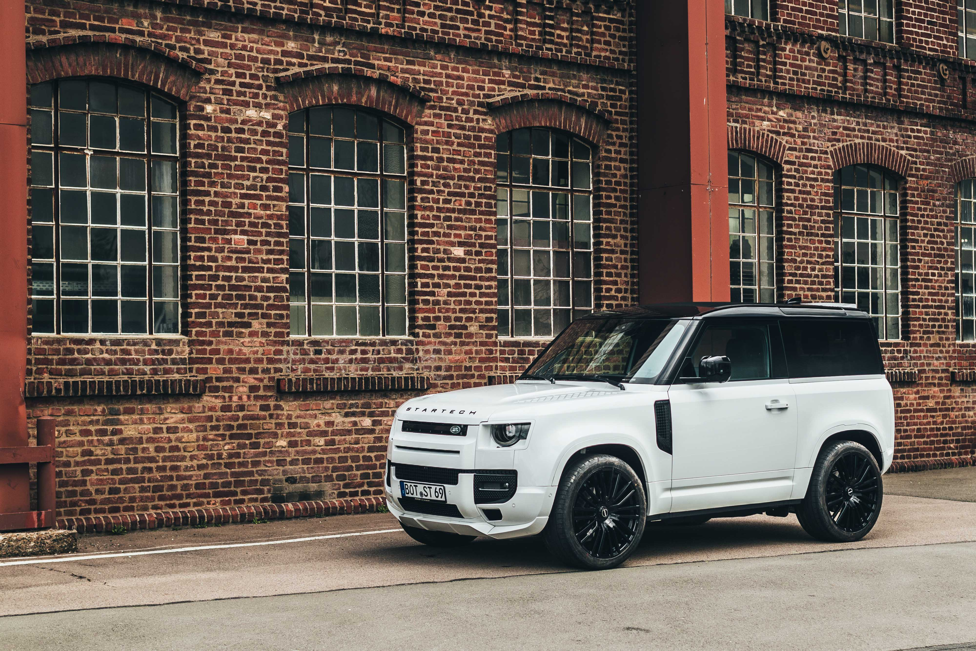 STARTECH refines the new Land Rover Defender