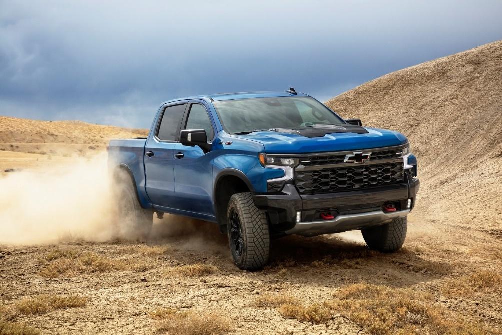 Chevrolet Reveals Major Enhancements for New Silverado,  Including First-Ever ZR2 Off-Road Trim