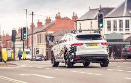 Jaguar Land Rover Working on Technology to Help Motorists Avoid Red Lights