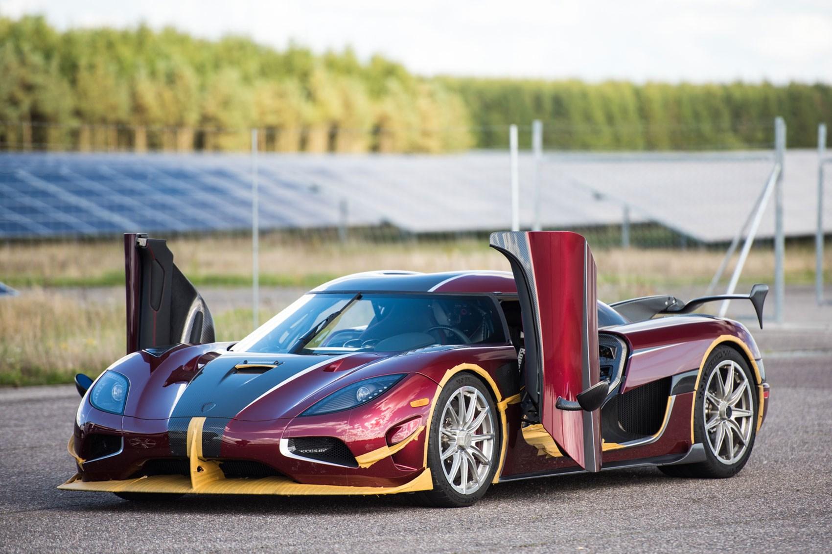 Koenigsegg Breaks Bugatti Chiron's 0-248-0 MPH record