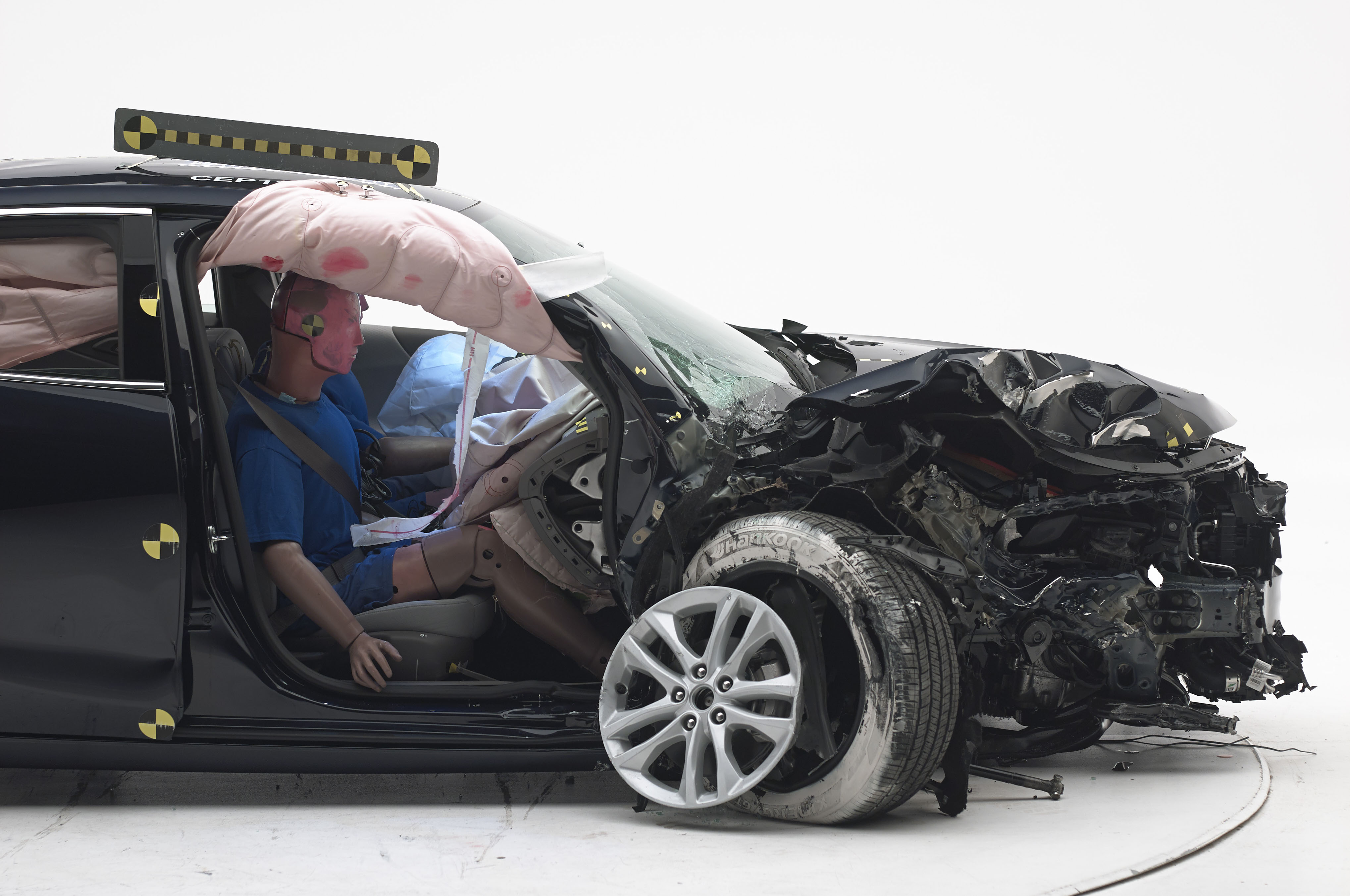 New Crash Test to Check Effectiveness of Passenger-side Airbags