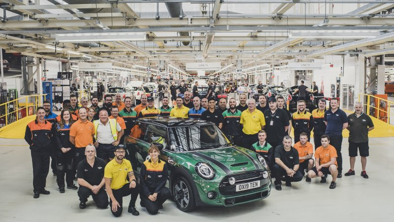 Mini Makes 10 Million Cars at Oxford Factory