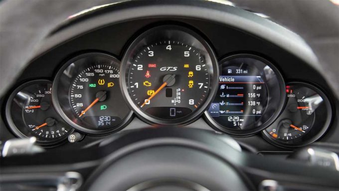 New Porsche 911 to Feature Digital Instrument Cluster